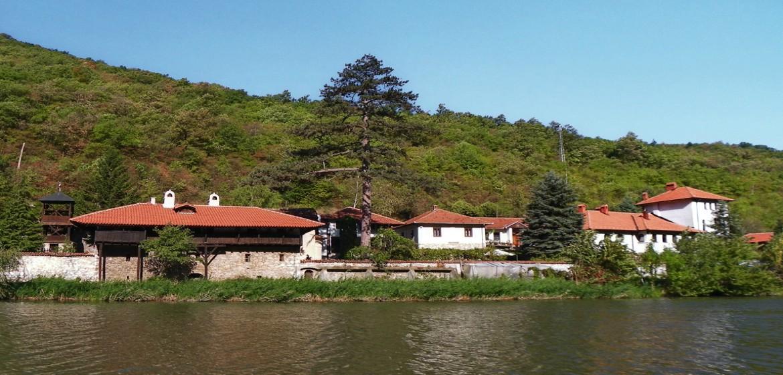 manastir-nikolje-kratka-putovanja-ovcarsko-kablarska-klisura