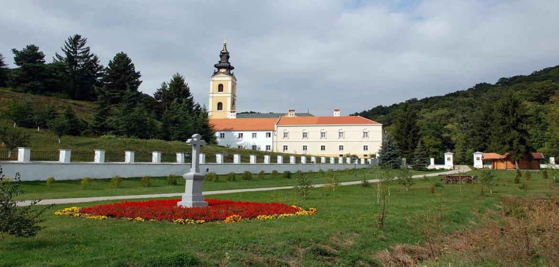 manastir-grgeteg-jednodnevni-izlet-stopama-zmaja-i-drakule-vojvodina